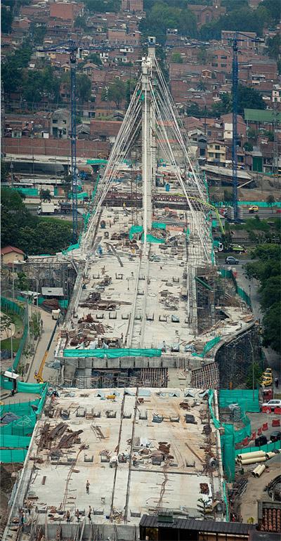 Faltan escasos 45 días para que termine el mandato del alcalde Alonso Salazar e inaugure su principal obra vial: el puente de la calle 4 Sur