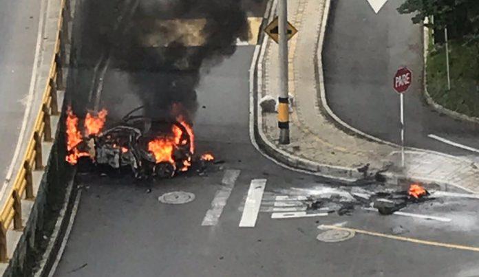 Taxi se incendió en la Cola del Zorro