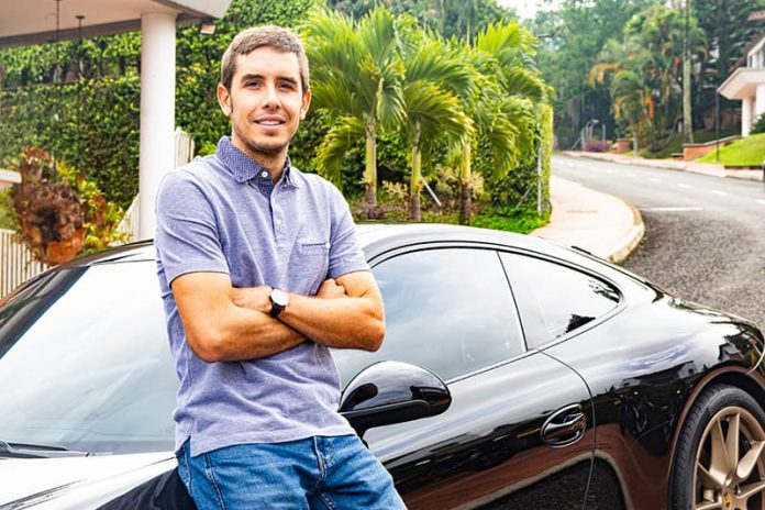 El piloto Juan Manuel González habitante de Altos del Poblado