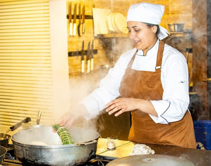 Natalia Restrepo participo en MasterChef Colombia y es una defensora de las cocinas tradicionales. Cocineros y cocineras que construyen país.