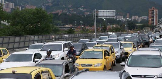 Pico y placa en Medellín seguirá igual aunque estudio recomienda cambios