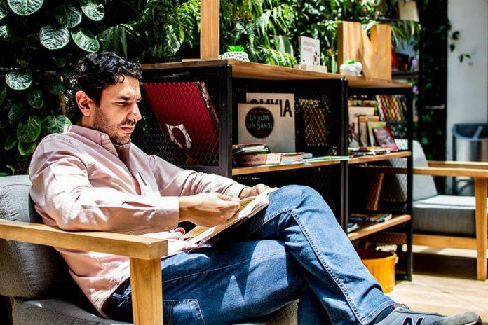 Con programas como la Fiesta del Libro y de la Cultura, los Eventos del Libro han consolidado a Medellín como una ciudad lectora.