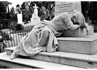 Lágrimas de piedra POR: Biblioteca Pública Piloto de Medellín Esteban Duperly