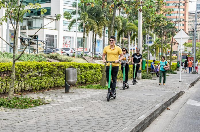 Patinetas eléctricas en Medellín reportan los primeros accidentes