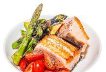 Ensalada de salmón y espárragos