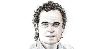 Federico Gutiérrez balances