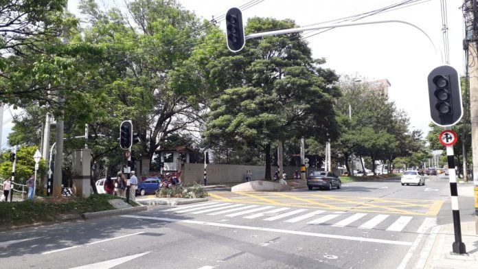 Semaforos calle 11b