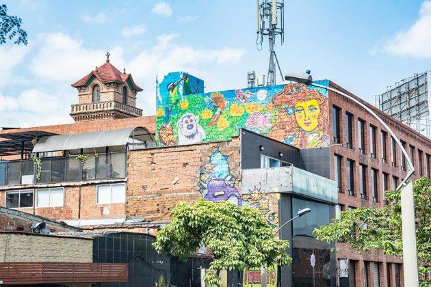 Las fachadas de la calle 10 expresan arte urbano