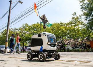 El robot que lleva domicilios por las calles de El Poblado