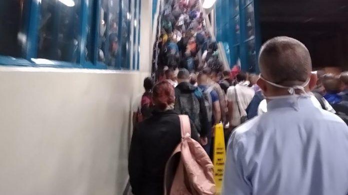 Aglomeraciones en el metro