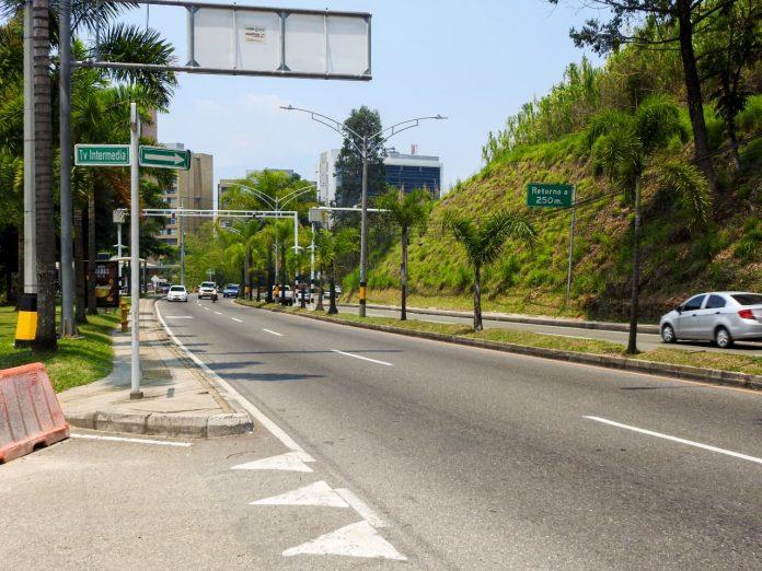 pico y placa en Medellín este martes 27 de octubre