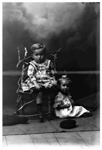 León y Leticia de Greiff 1899 (Fotografía Rodríguez).