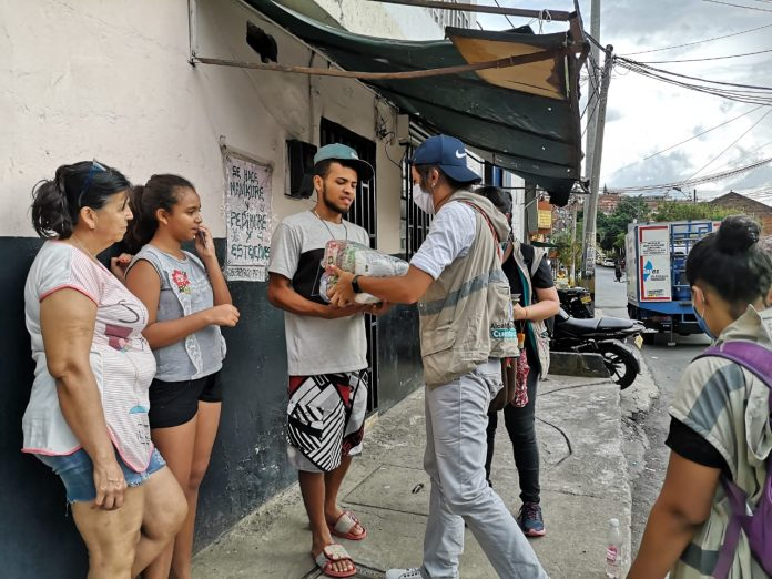 Entregas de ayudas de la Donatón por Medellín