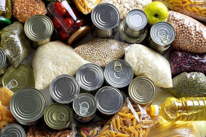 Se sugieren enlatados, azúcar, sal, aceite, café, granos y pastas.