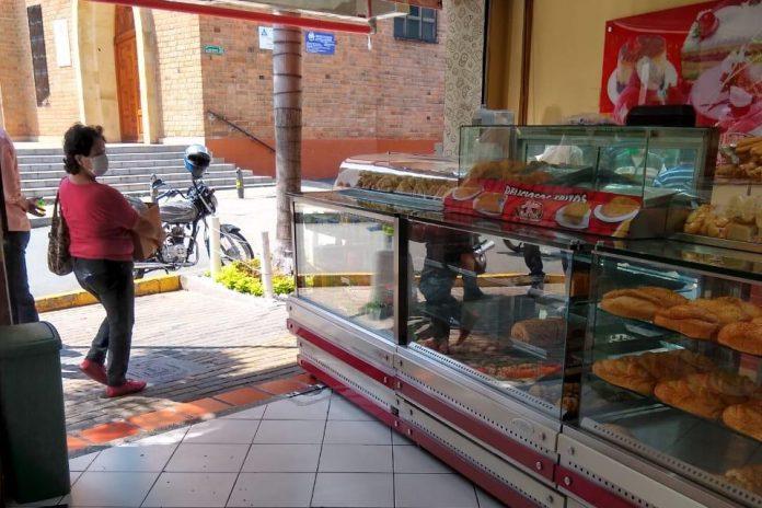 Una panadería fue clausurada en Envigado por incumplir la cuarentena