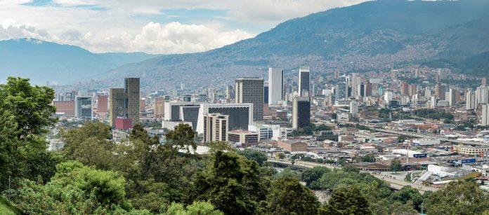 La Alcaldía de Medellín se va con su plataforma a los detalles incluso más privados de las personas y no sabemos qué harán con la información.