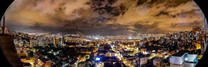 Ley seca y toque de queda en Medellín