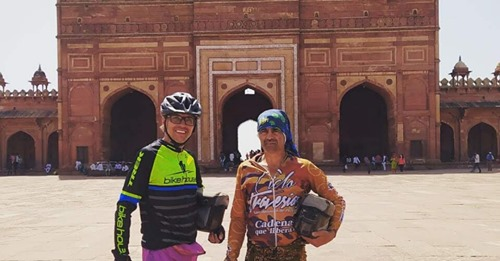 Colombianos en India