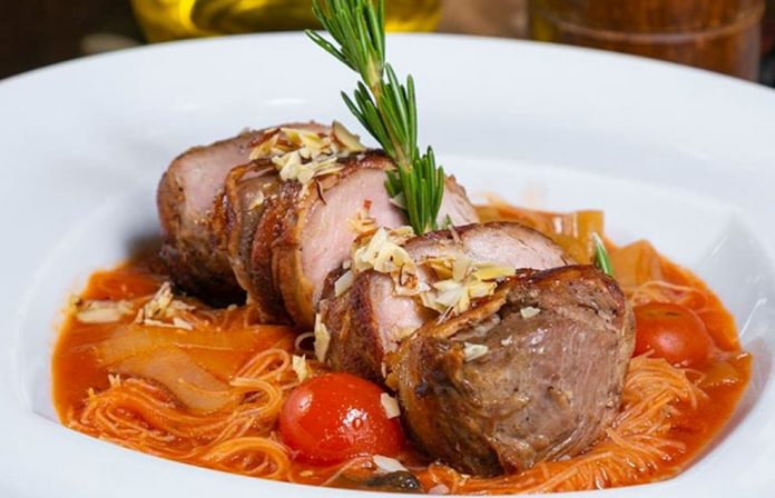Al Patio Restaurante cocina internacional parrilla eventos. Domicilios