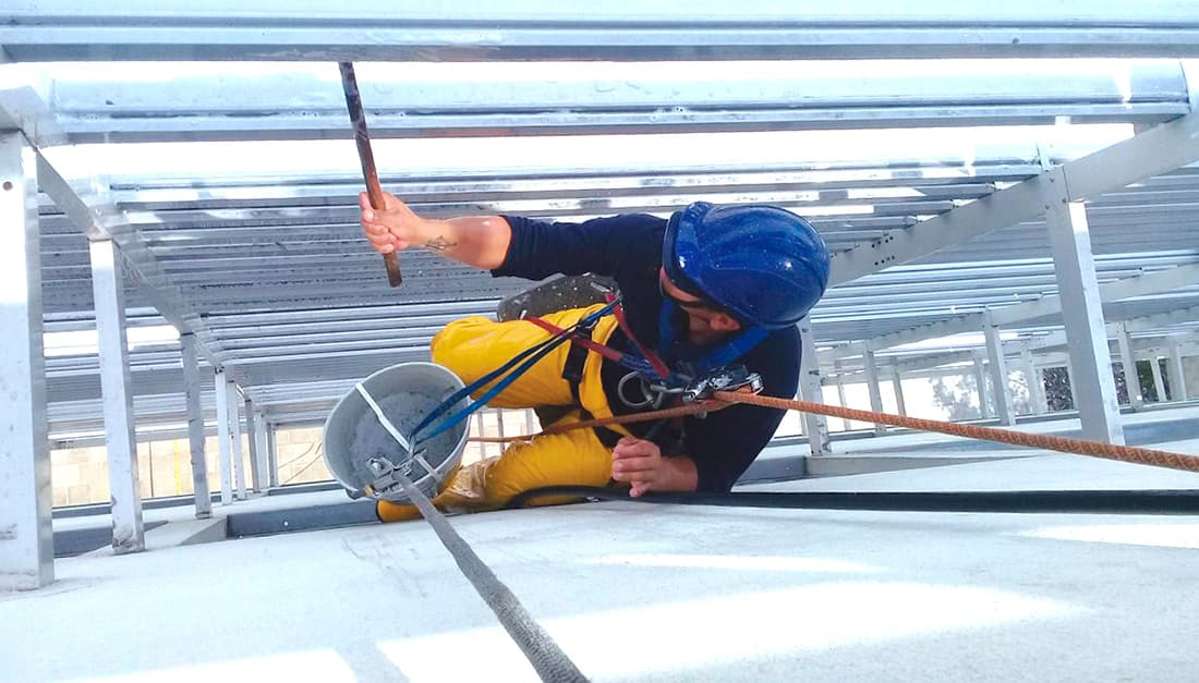 Transformarq mantenimiento de cubiertas y fachadas en altura