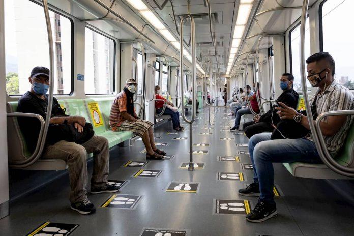 Metro de Medellín horarios escalonados