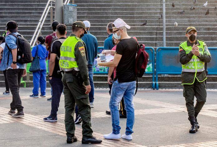 255 comparendos se han impuesto en Medellín desde las 00:00 horas