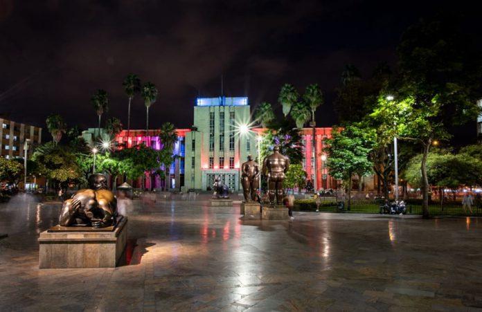 Deja que el Museo de Antioquia te transporte desde sus redes
