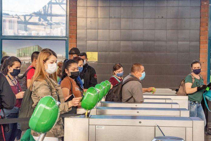 Medellín plantea aumentar en 20 % la ocupación del metro durante pandemia