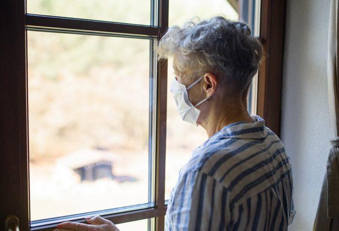 Permiso para mayores de 70 años es contrario a las evidencias: presidente Duque