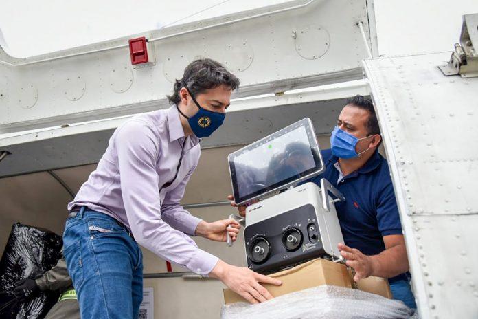 Entrega de ventiladores para tratamiento de enfermos por COVID-19