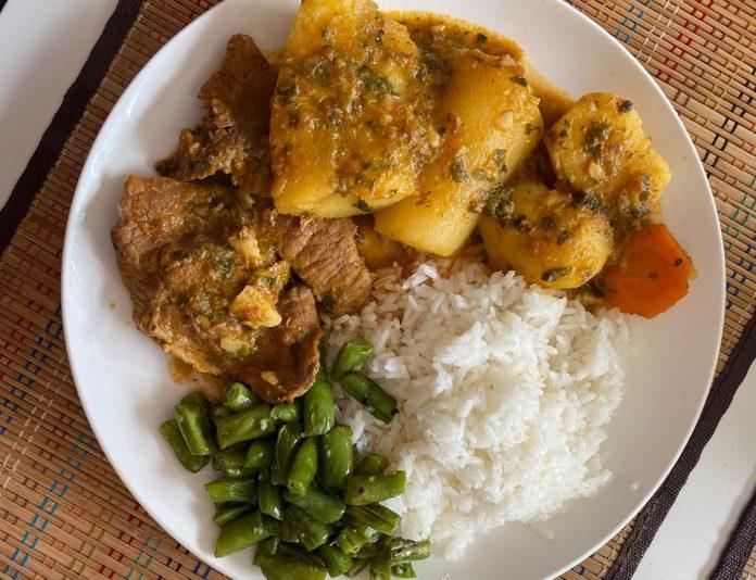 Sudado comida colombiana