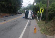 municipio de El Carmen de Viboral a la altura de Hotel toscana , presenta cierre total por accidente de transito. km 10+000