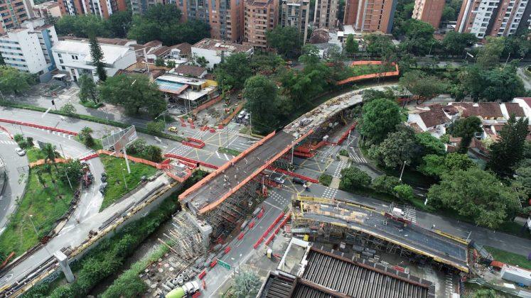 construcción del intercambio vial de La Ayurá
