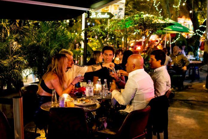 Gobierno nacional presenta protocolos para apertura de bares