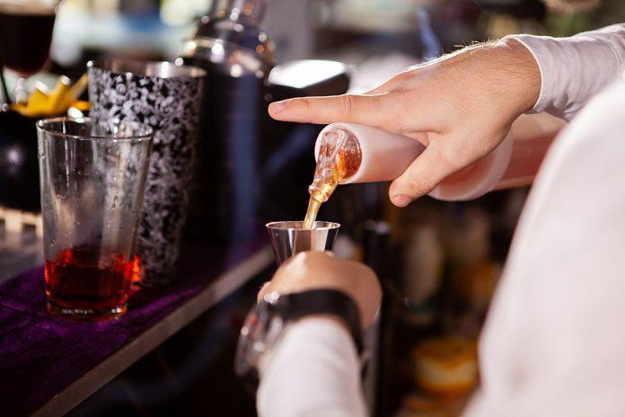 Aprobado piloto para bares y restaurantes con consumo de licor