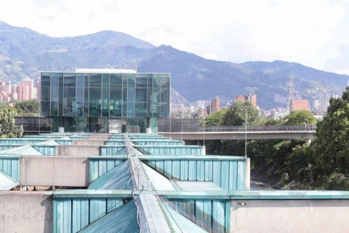 Estación Poblado del metro estrena accesos tras un año de espera
