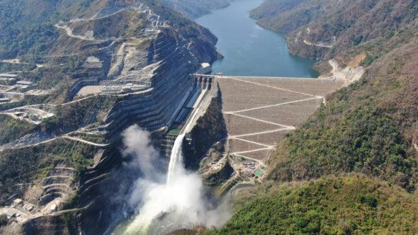 Hidroituango vertedero Hidroelectrica Represa