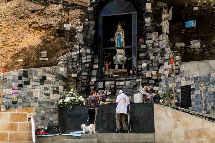 Virgen de la Aguacatala