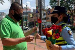 Retén de flores en El Poblado, como abrebocas a la Feria que comienza el domingo