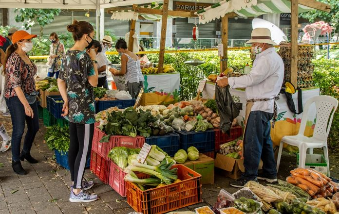 Los Mercados Campesinos llegan al Centro Comercial Oviedo