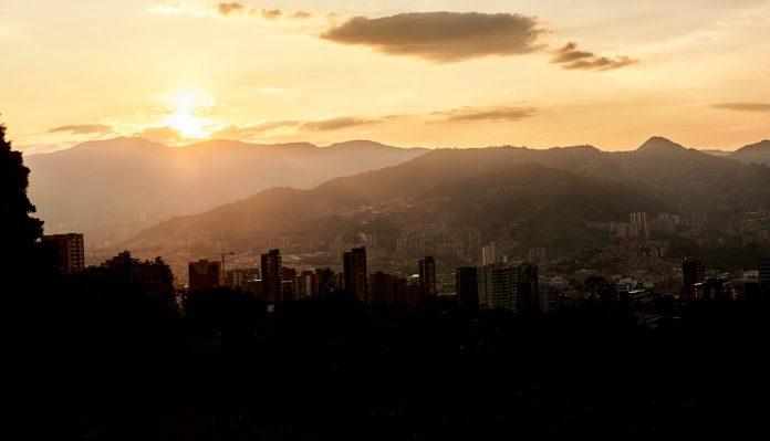 Horario del toque de queda en Medellín
