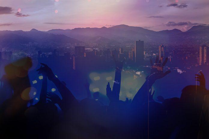 1.630 fiestas intervenidas en Medellín durante el toque de queda