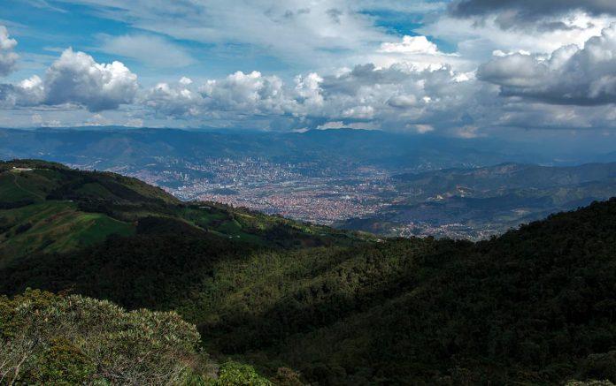 Laderas, lluvias e inundaciones en Medellín