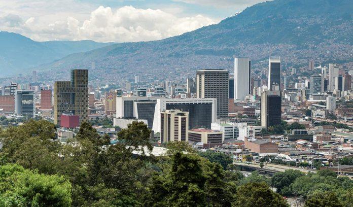 Medellín no se adhiere al decreto departamental de toque de queda