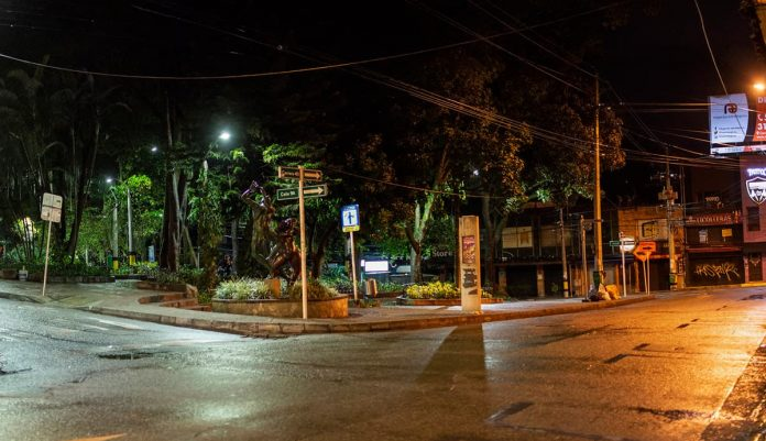 Toque de Queda Nocturno en Medellín