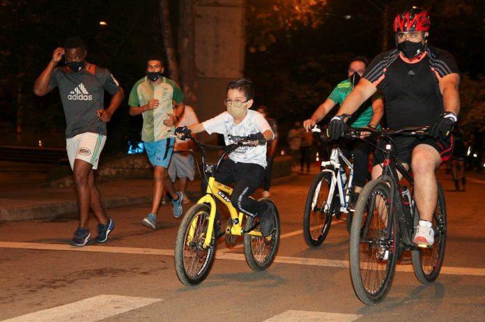 Vuelve la ciclovía nocturna de Medellín
