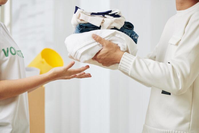 Re-colección: campaña de recolección de ropa usada en Viva envigado