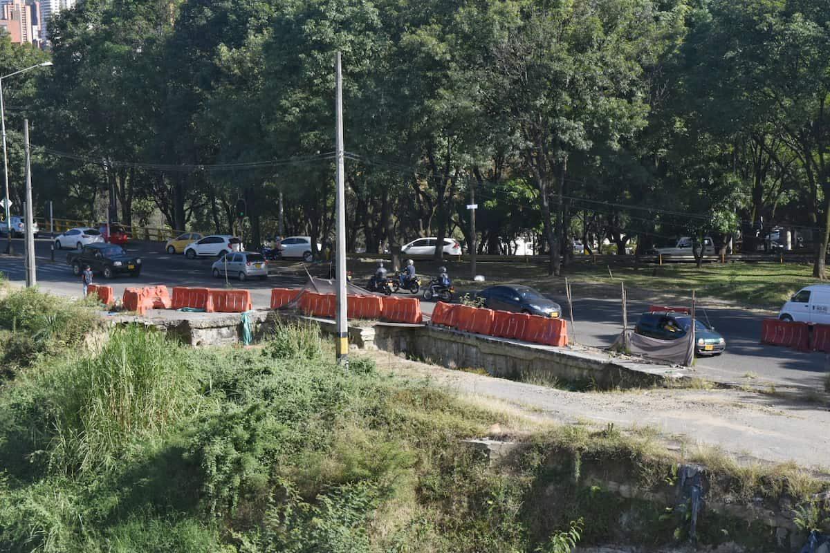 Obra Metroplus en la Aguacatala-03
