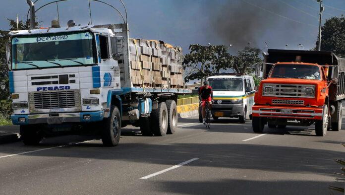 Regulación para vehículos por emergencia ambiental