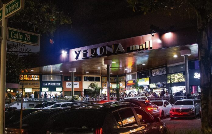 Con tutela, los vecinos del Mall Verona reclamaron atención